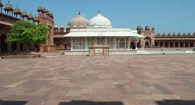 The Tomb of Salim Chisti