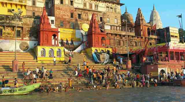 Morning prayers and bathing Varanasi